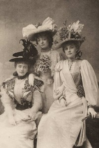 Picture hat - 1890 Gaiety Girls